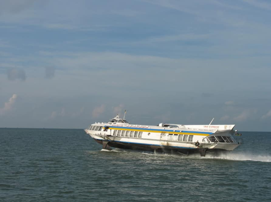Tàu thủy đi Vũng Tàu