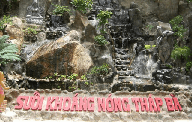 Suối Khoáng Nóng Tháp Bà Nha Trang