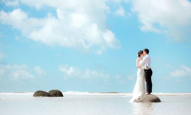 Hình ảnh biển hồ Tràm nơi nhiều cặp đôi đến chụp ảnh cưới