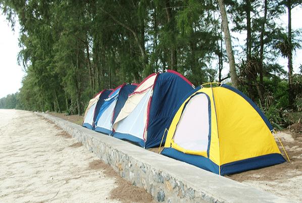 Cắm trại cạnh biển Hồ Tràm rất thú vị