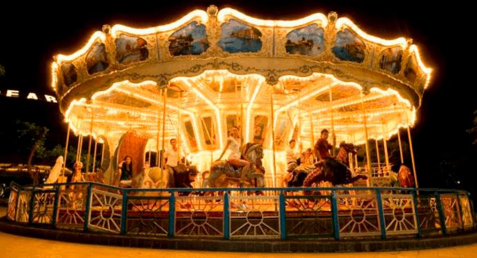 Trò chơi cưỡi ngựa hoàng gia