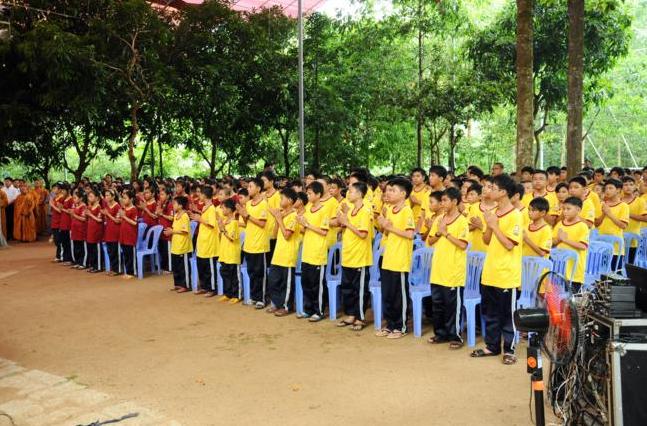 Lễ khai giảng khóa sinh hoạt hè tại chùa Phật Quang