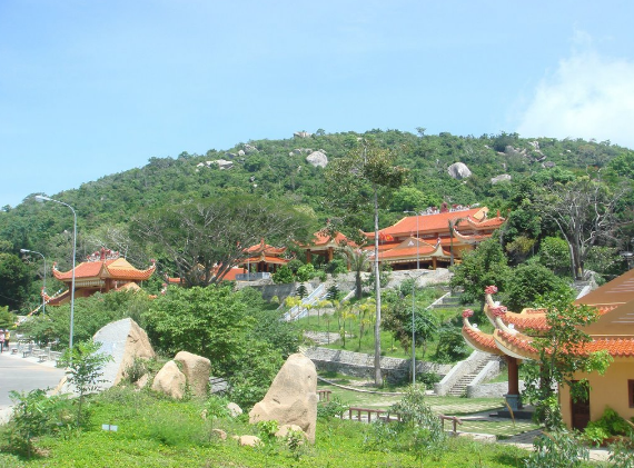 Căn cứ Cách Mạng trên núi Minh Đạm