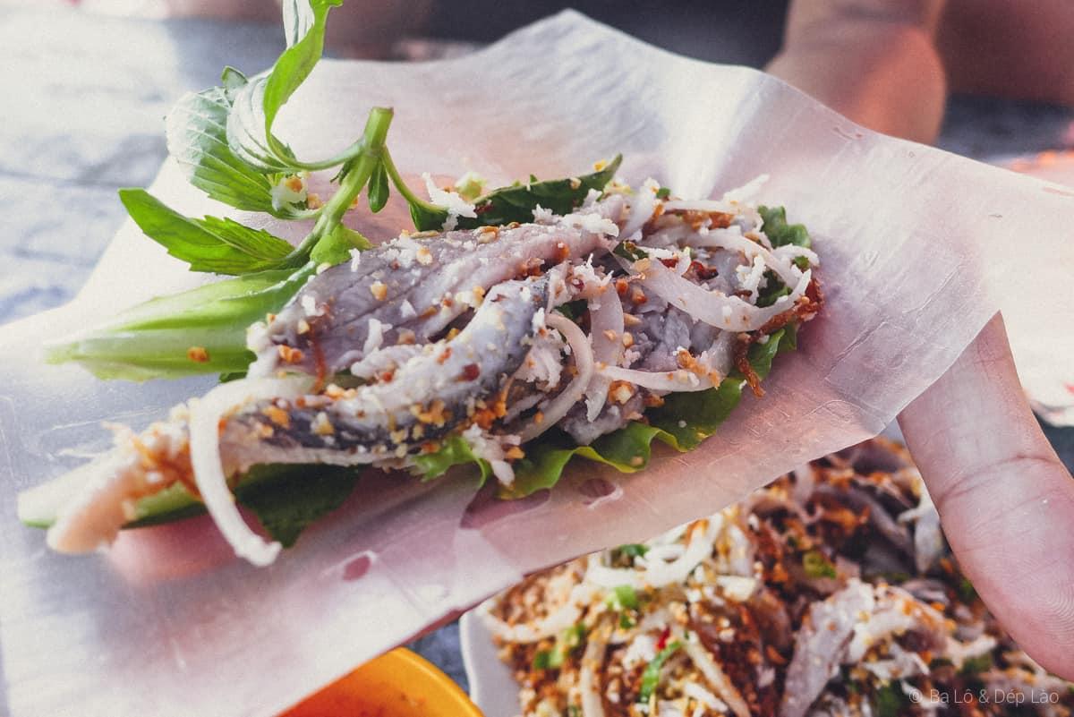 Thưởng thức món ăn ngon với gỏi cá trích hấp dẫn