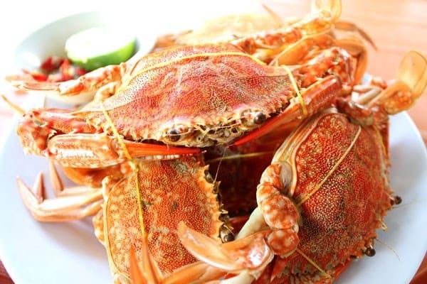 Ghẹ là món ăn yêu thích của khách du lịch khi tới Hàm Ninh