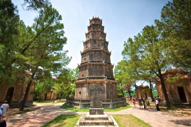 Tháp Phước Nguyên - biểu tượng chùa Thiên Mụ