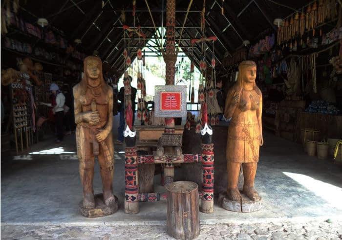 Chợ Chồm Hồm - làng Cù Lần