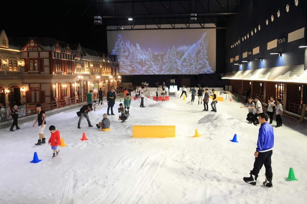 Khu vui chơi giải trí Snow Town Sài Gòn
