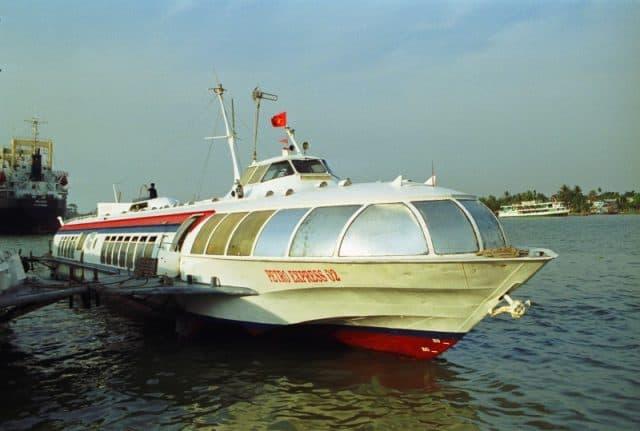 Tàu cánh ngầm Vina Express (ảnh ST)