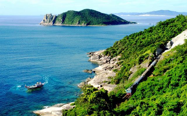 Phú Yên đẹp rực rỡ trong mùa nắng từ tháng 1 đến tháng 8 (Ảnh: sưu tầm)