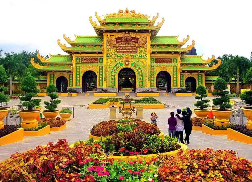 Lạc Cảnh Đại Nam Văn Hiến - Điểm đến tâm linh của khách du lịch