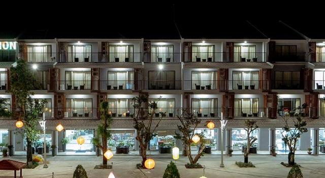 Amon Hotel cung cấp dịch vụ phòng nghỉ với nội thất sang trọng