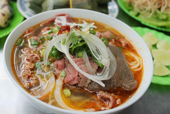 Hình ảnh tại các quán bún bò Huế ngon ở Sài Gòn