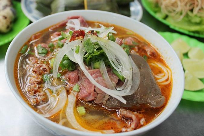 Bún Bò - Thức quà sáng mang hương vị xứ Huế tại Sài Gòn