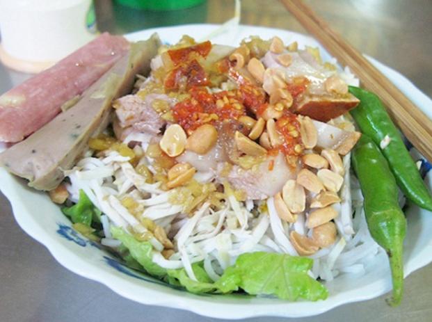Bún Mắm nêm đậm chất Xứ Quảng tại Sài Gòn