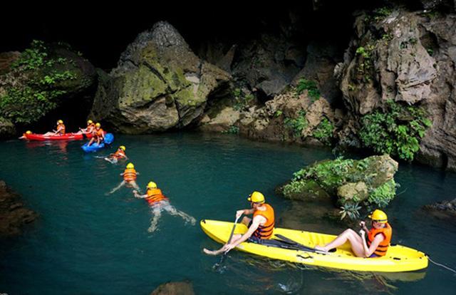 Chèo thuyền kayak - suối nước Mooc