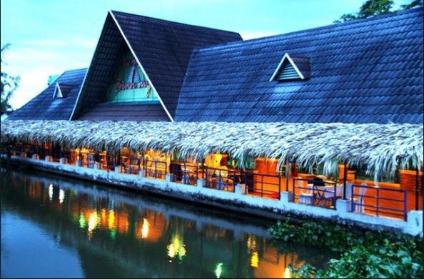 Hệ thống nhà hàng bờ sông