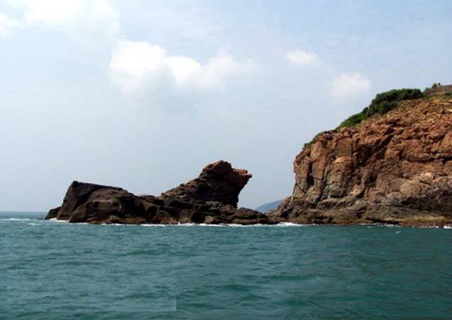 Mũi Nghê là nơi đón bình minh đầu tiên ở Đà Nẵng 01