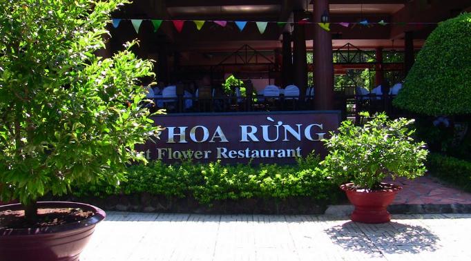 Nhà hàng Hoa Rừng - khu du lịch Bình Châu