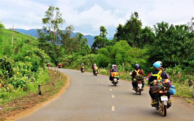 Xe máy là phương tiện được nhiều người chọn lựa khi du lịch Phú Yên (Ảnh: sưu tầm)