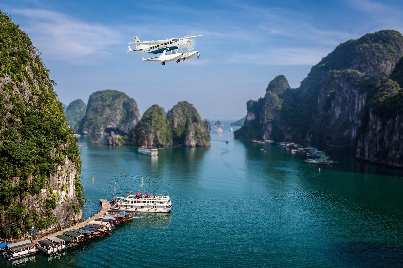 Ngắm Hạ Long trên cao bằng thủy phi cơ