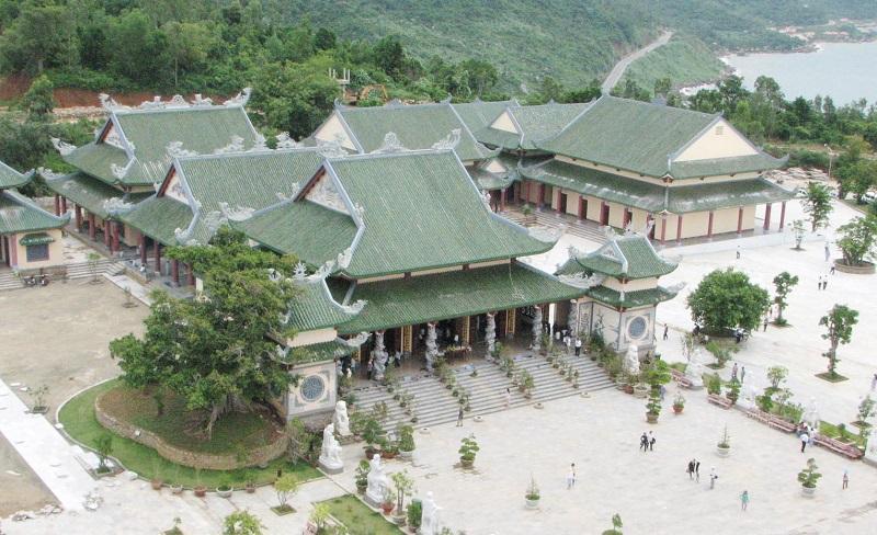 Toàn cảnh chùa Linh Ứng Non Nước