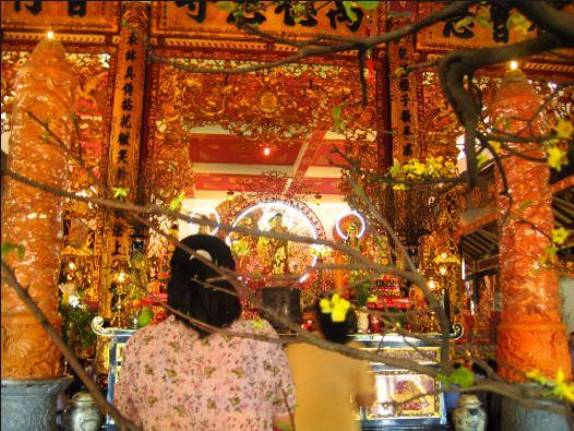 Một góc bên trong chùa Vĩnh Nghiêm