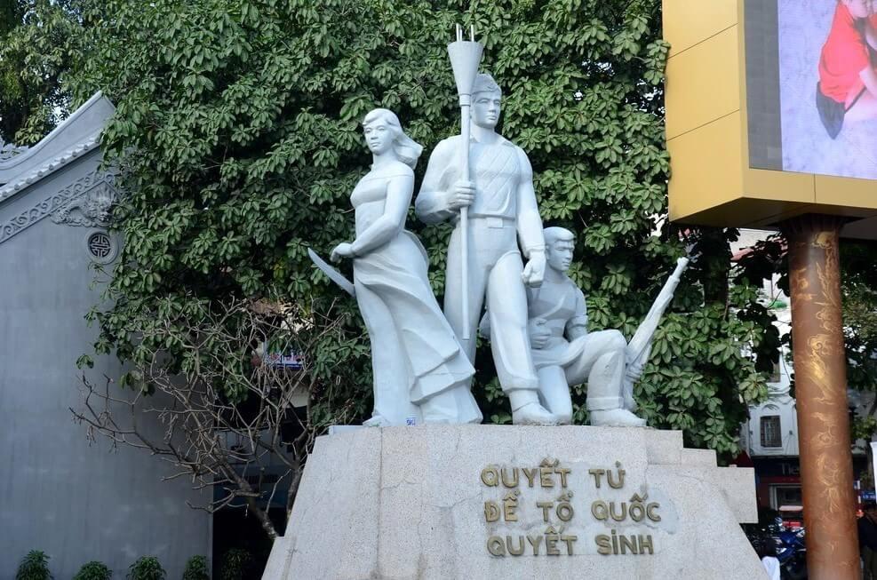 tượng đài quyết tử để tổ quốc quyết sinh