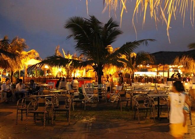 Buổi tối trên khu du lịch bờ biển Cần Thơ (Nguồn sưu tầm)