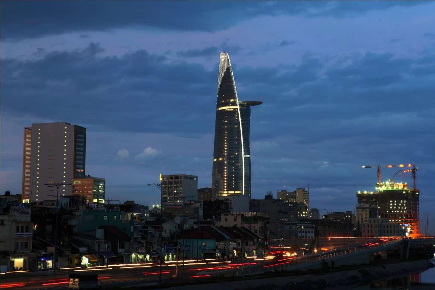Tòa nhà Bitexco Tower ở Sài Gòn về đêm