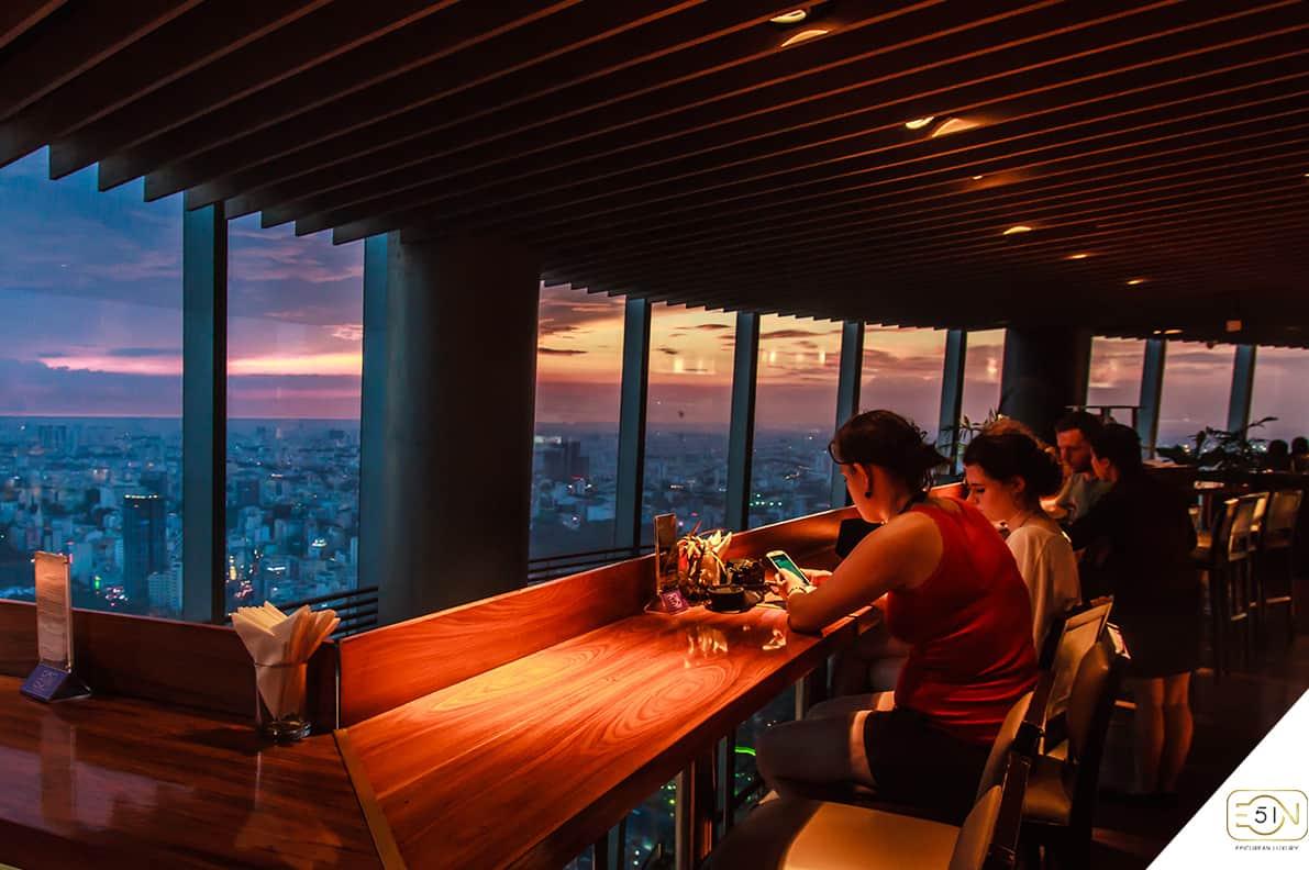 Café Eon - Tầng 50 Bitexco Tower buổi tối