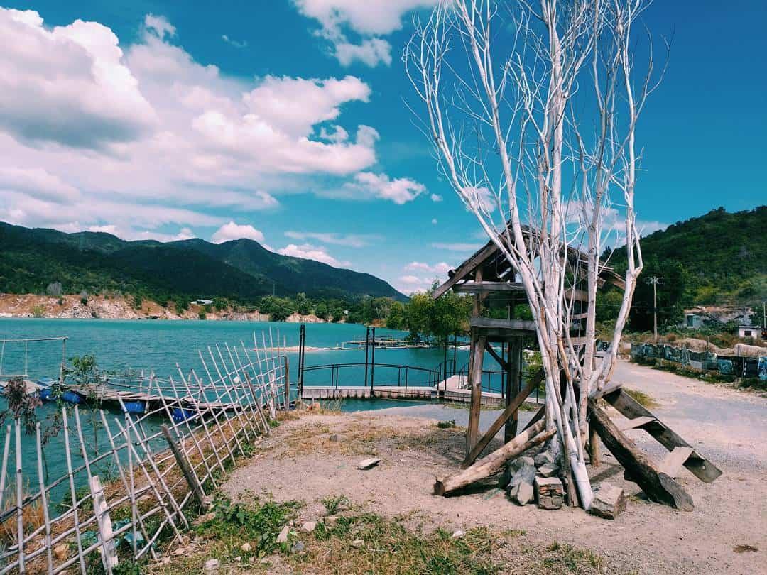 Khung cảnh đẹp và hoang sơ của hồ Đá Xanh Vũng Tàu(Ảnh: ST)