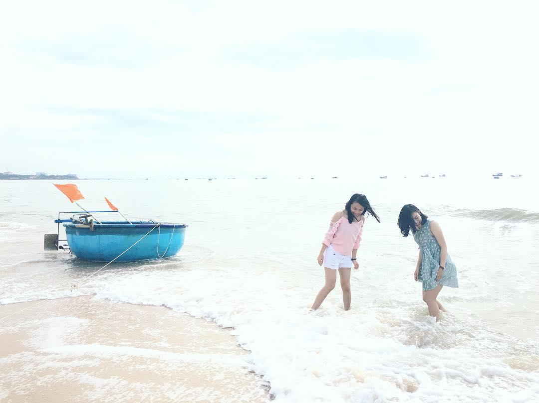 Tận hưởng thời gian vui vẻ bên bạn bè ở đèo Nước Ngọt (Ảnh: ST)