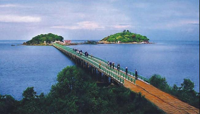 Địa điểm du lịch ở Cà Mau - Cầu ra Hòn Đá Bạc (Nguồn sưu tầm)