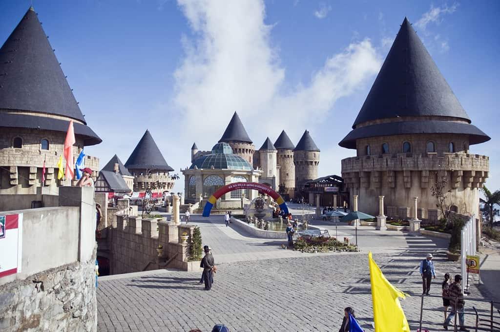 Khu làng Pháp - địa điểm du lịch Bà Nà 01