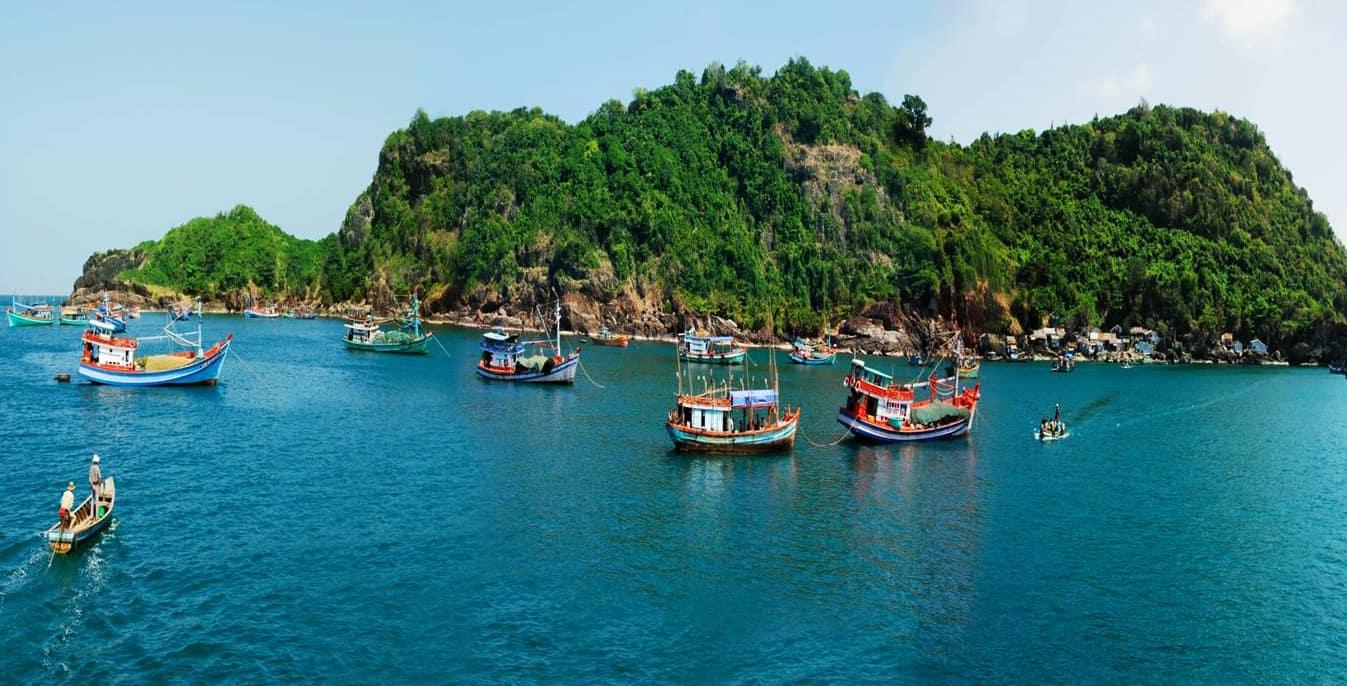 Cảnh đẹp nên thơ của khu Đảo Hòn Khoai Cà Mau(Nguồn sưu tầm)