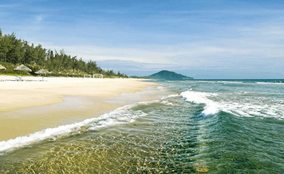 Biển Lăng Cô - địa điểm du lịch Huế