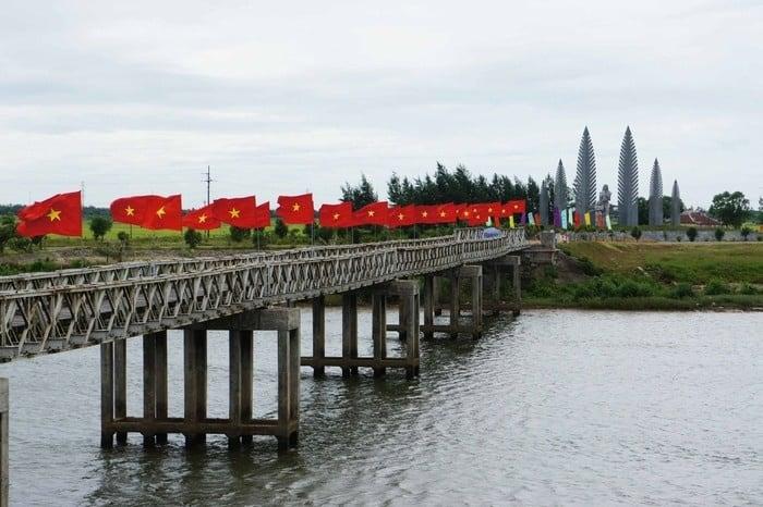 Cầu Hiền Lương và sông Bến Hải - địa điểm du lịch Quảng Trị