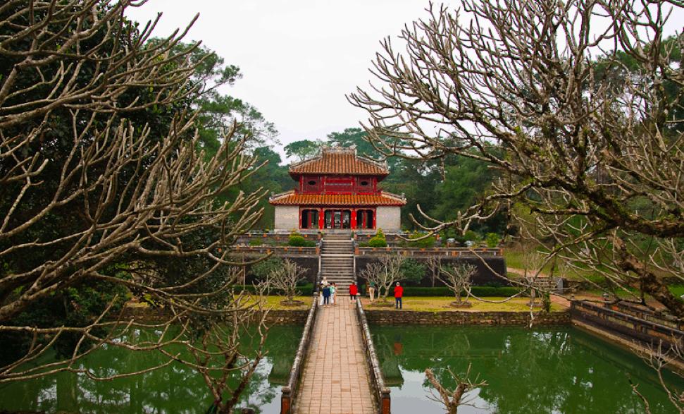 Lăng Minh Mạng - địa điểm du lịch Huế