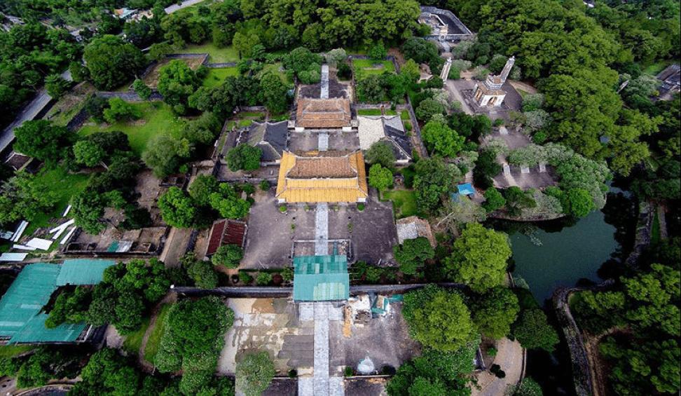 Lăng Tự Đức nhìn trên cao - địa điểm du lịch Huế