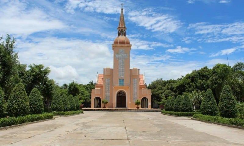 Hình ảnh Nhà thờ La Mã (Ảnh: ST)