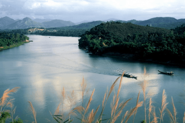 Sông Hương - xứ Huế mộng ma trong những câu ca