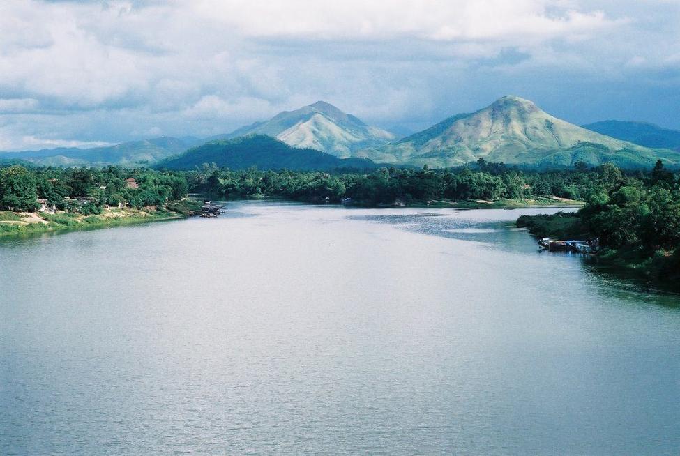 Sông Hương - địa điểm du lịch Huế