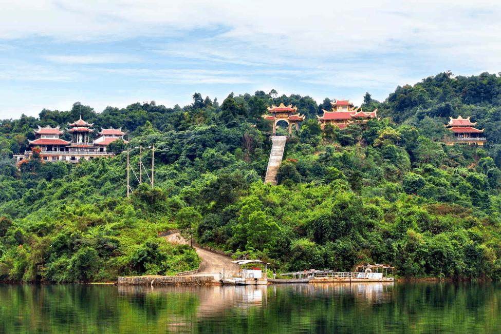 Thiền Viện Trúc Lâm Bạch Mã - địa điểm du lịch Huế