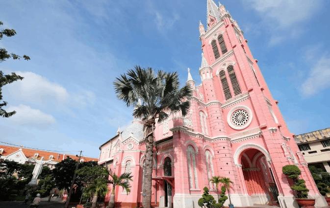 Toàn cảnh nhà thờ Tân Định