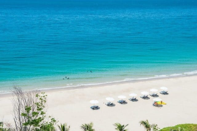 Kết quả hình ảnh cho Nha Trang - Biển Bãi Dài