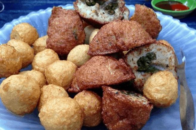 Các món ăn vặt khác ở hẻm 177 Lý Tự Trọng