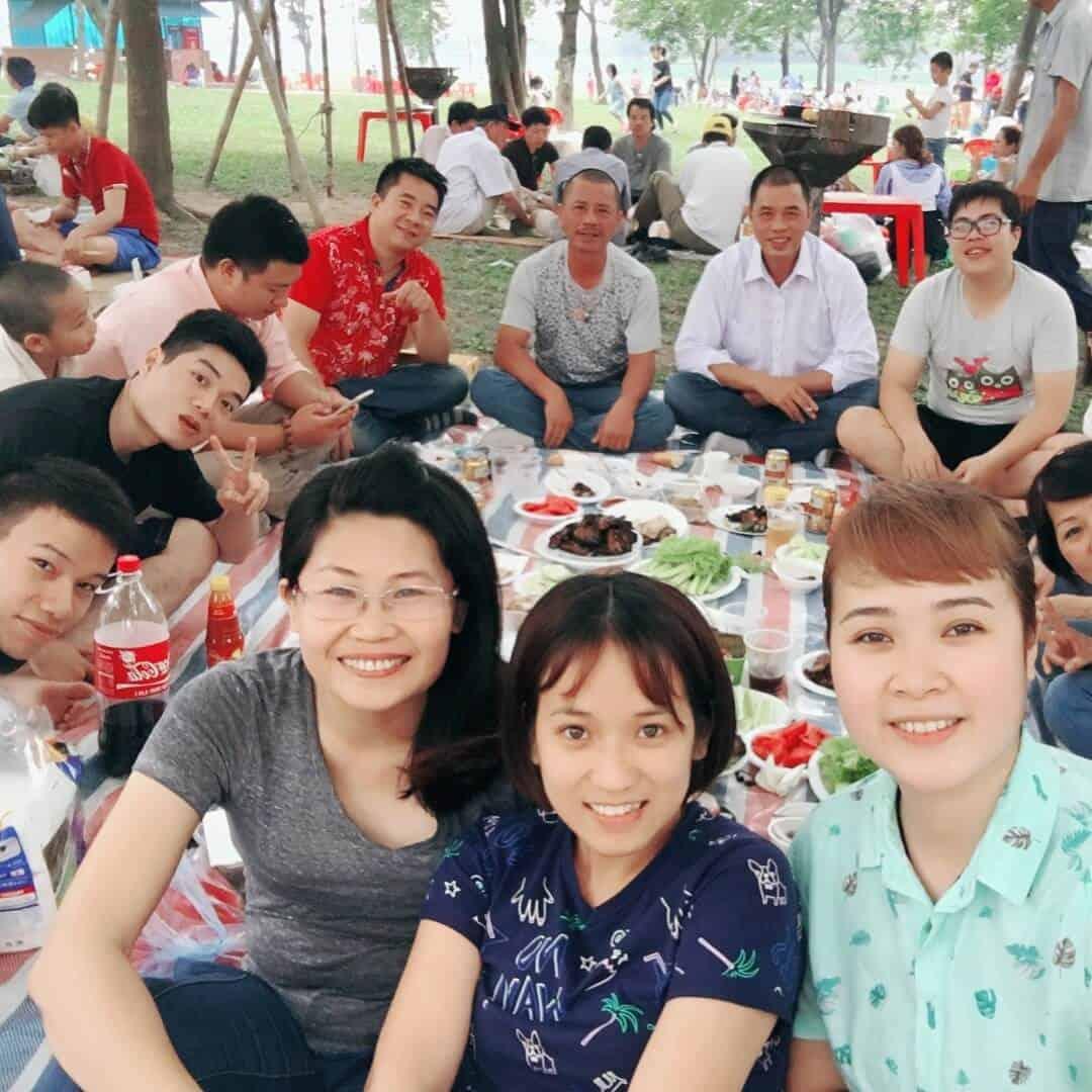 Picnic ở công viên Yên Sở
