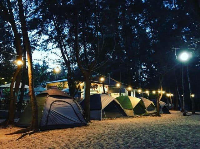Cắm trại qua đêm (Ảnh: ST)
