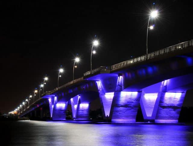 Cây cầu phân ưu cùng Thành phố (Ảnh: ST)